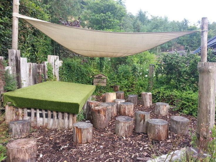 Podium op de speelplaats (Rechtstreeks gepind terplekke in www.edenproject.com: een echte aanrader om te bezoeken als je in Cornwall (UK) bent!)