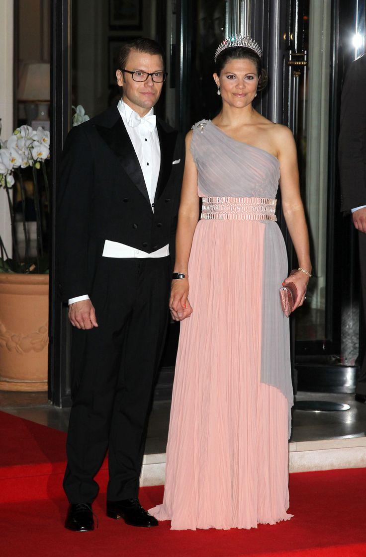 8 best Royal fashion images on Pinterest | Royal fashion, Royal ...