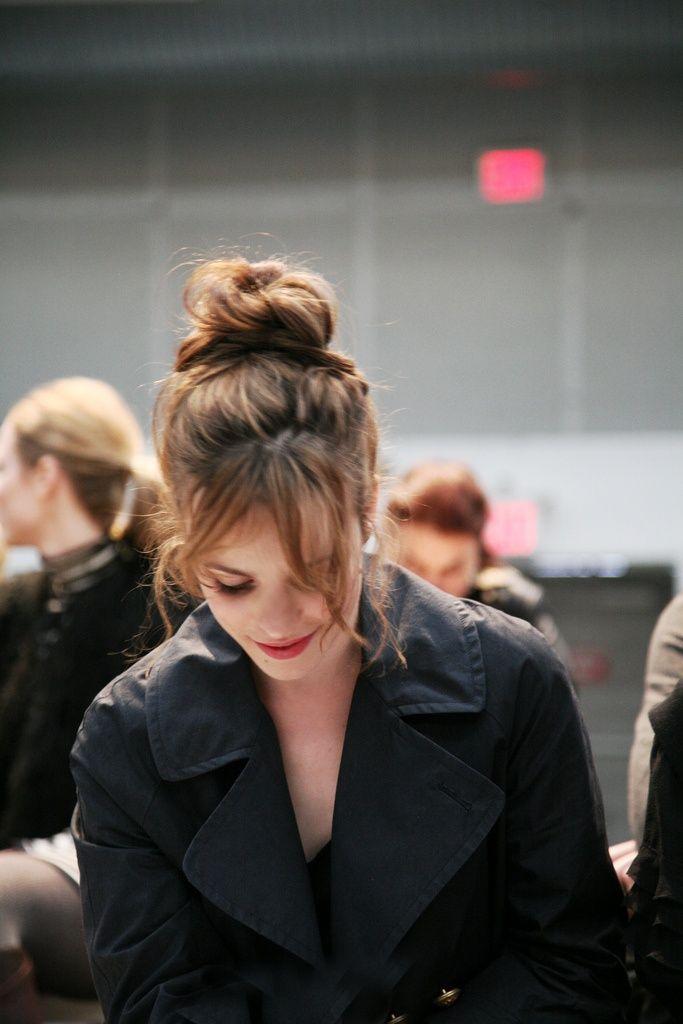 Coque alto é o penteado queridinho do momento - high bun - coque donut - bagunçado -  top knot - half bun - party hair
