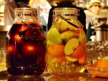 もちろん、赤ワインベースだけではなく、 白ワインベースのサングリアも飲みやすい!
