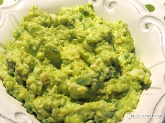 Салат из авокадо с яйцом - рецепт