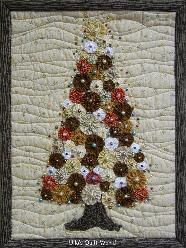 Ulla's Quilt World: Christmas tree quilt - YoYo--love the quilting