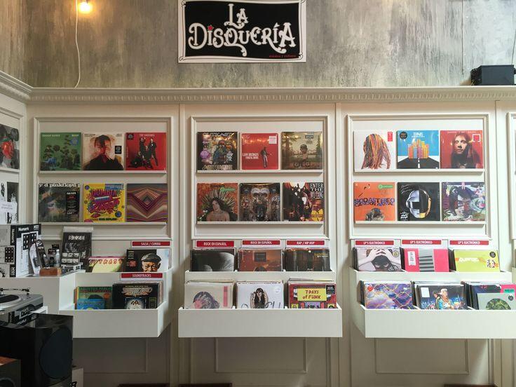 Las mejores tiendas y mercados para comprar discos de vinil, tanto nuevos, como de segunda mano.