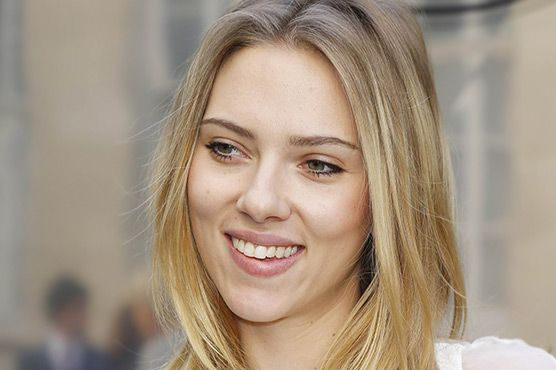 Scarlett Johansson quits Oxfam in West Bank row. US actress Scarlett Johansson has ended her role as Oxfam ambassador following a dispute over her ad campaign for a firm operating in an Israeli settlement in the occupied West Bank. #Entertainment #ScarlettJohansson #Oxfamambassador #USactress