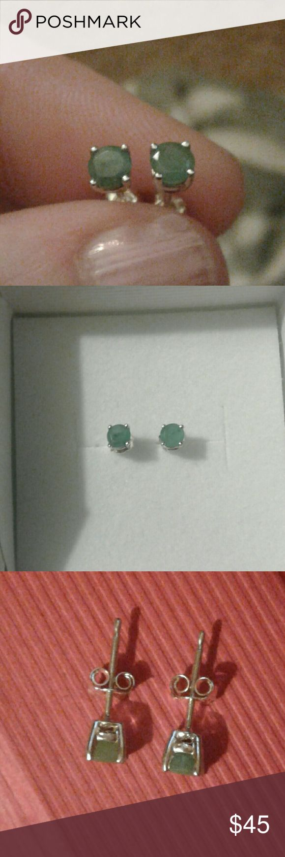 Natural Round .5ctw Emerald Studs Solid 925S Gorgeous, BNIB...Natural, Round- Cut, Richly Colored, Emerald Stud Earrings, .5ctw, Set in Solid 925 Sterling Silver...Comes With a Packaged, Anti- Tarnish, Polishing Cloth and a Jewelry Pouch or Gift Box. Fine Jewelry Jewelry Earrings