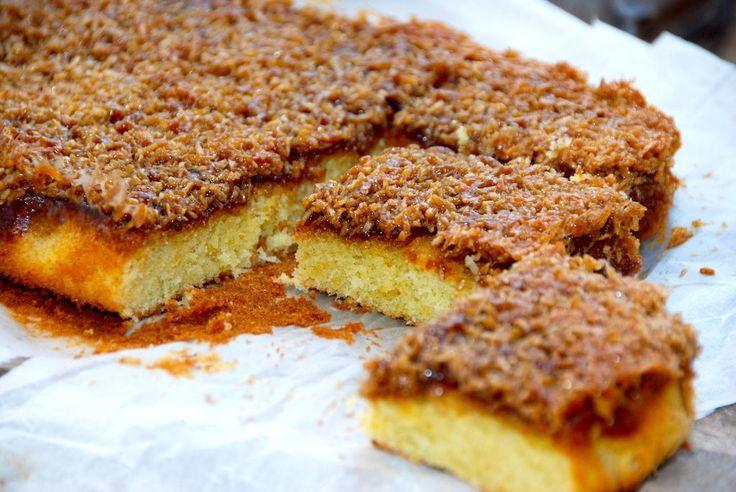 Drømmekagen fra Brovst: Her er den bedste opskrift på drømmekagen fra Brovst, som altid har været en af mine favorit kager. Med en lækker kokostopping. Drømmekagen fra Brovst i Nordjylland er en af de allermest populære