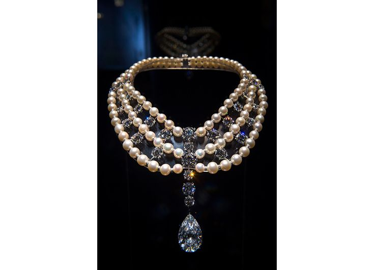 Al Thani-collezione-gioielli_collana-perle-naturali-Cartier