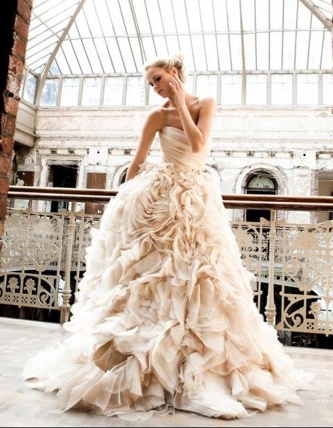 Ohhhh...Monique Lhuillier, Wedding Dressses, Pink Wedding Dresses, Brides, Gowns, Dreams Dresses, The Dresses, Moniquelhuillier, Ruffles