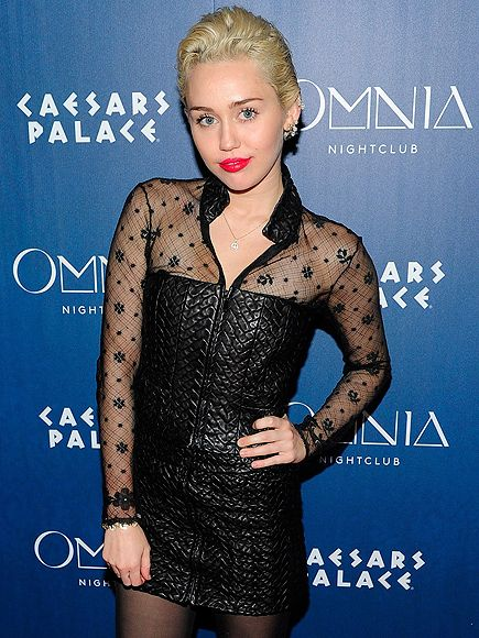 Miley Cyrus Trades Coachella for a Semi-Topless Recording Session with Mike WiLL Made-It (PHOTOS) http://www.people.com/article/miley-cyrus-goes-topless-recording-studio