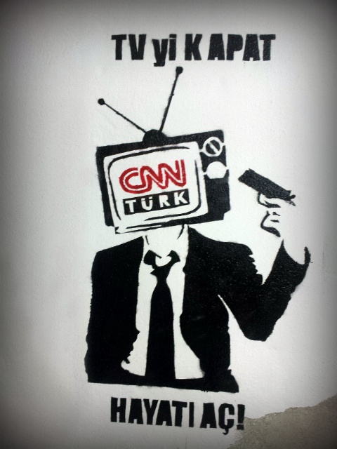 CNN Turk shows documentary on penguins while CNN International reports Istanbul #direngeziparki