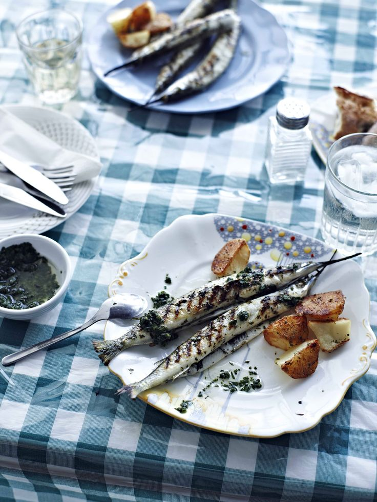 Grilled garfish with roasted potatoes (imsell mixwi)