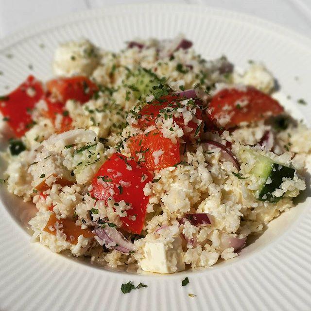 Griekse bloemkoolrijst salade.