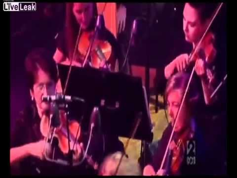 Tim Minchin singing the Pope Song with the Sydney Symphony Orchestra - YouTube