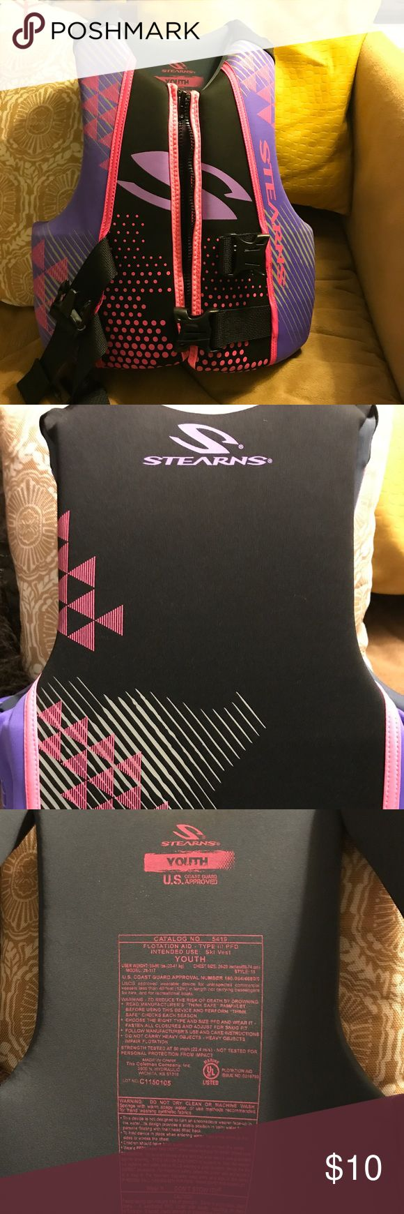 Youth Kids STEARNS Life Jacket Pink and purple YOUTH life vest. Weight 50-90lbs. Coast Guard Approved. Swim