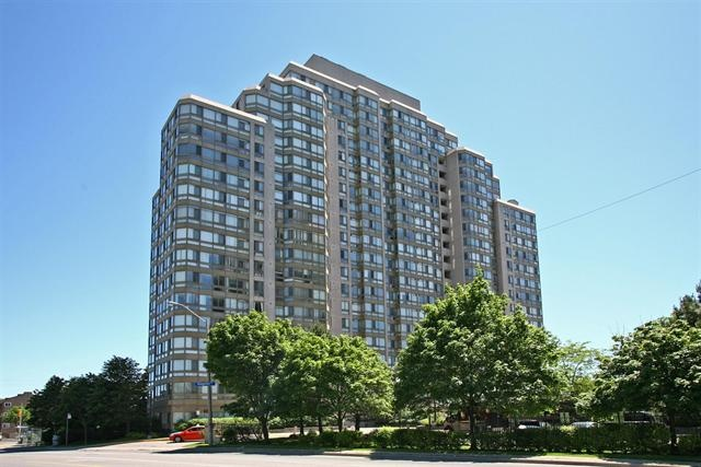 TORONTO (ON) Huge corner unit with Lots of Natural Lights. Bright, Beautiful and Spotless. Excellent Condo Facilities. Going for $208,800.00 http://www.century21.ca/Property/100867055