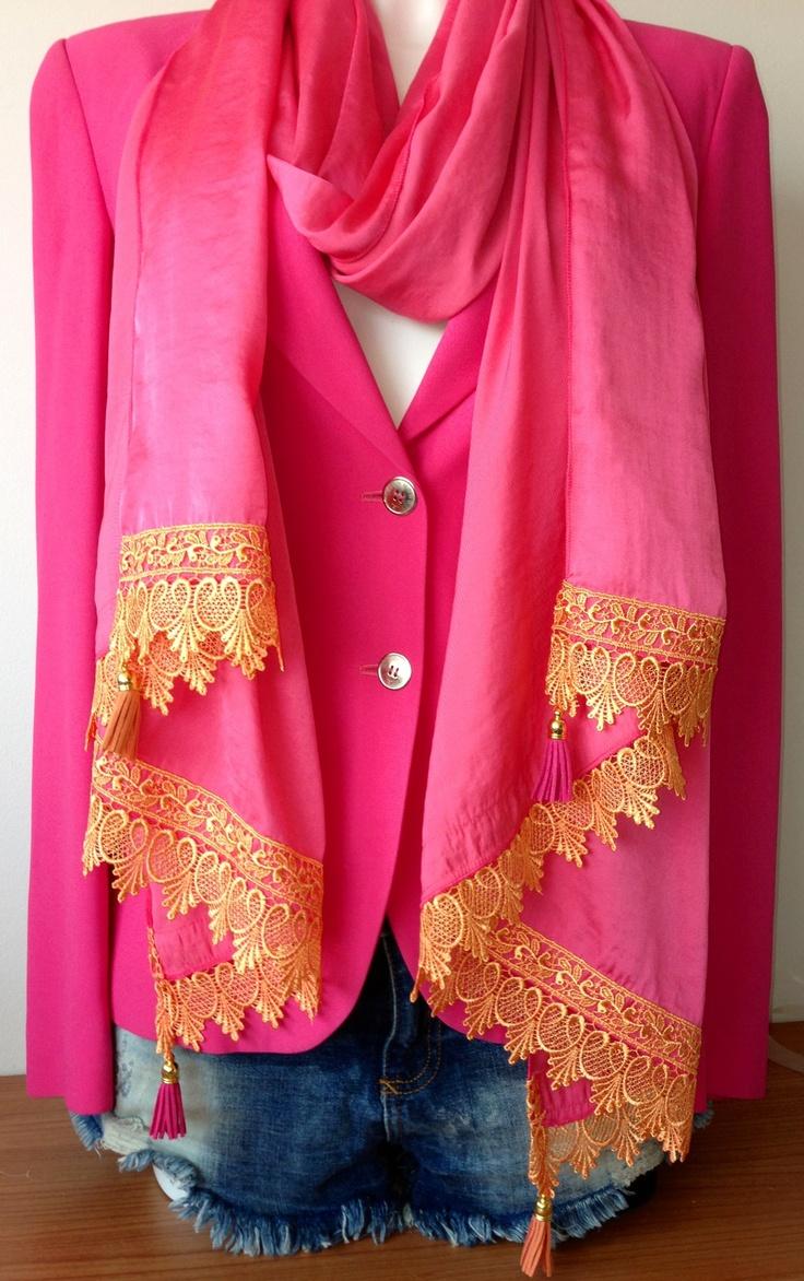 Xl sjaalet kant en leren kwastjes fuchsia/oranje