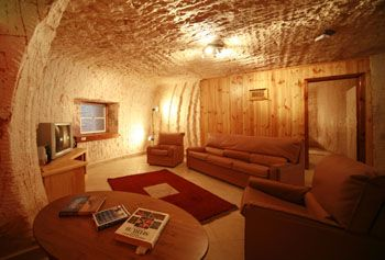 Sleep Underground - Down to Erth offers a unique underground living experience that Coober Pedy is famous for.