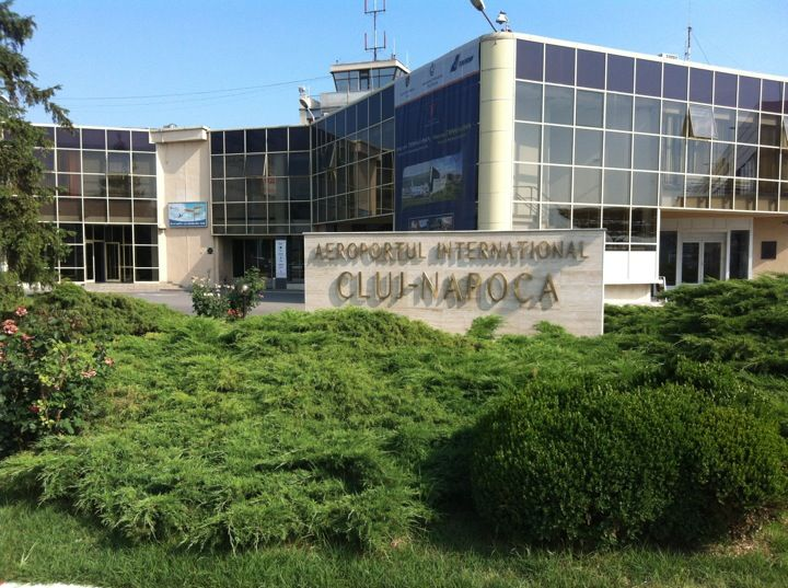 "Aeroportul Internațional ""Avram Iancu"" (CLJ) în Cluj-Napoca, Cluj"