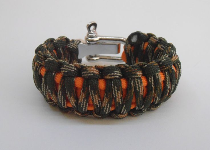 New Item!!! Autumn is HERE!!! :) #lifesavingbracelets #etsy #survivalbracelets  Survival bracelet King Cobra with metal shackle 2 colours by LifesavingBracelets on Etsy