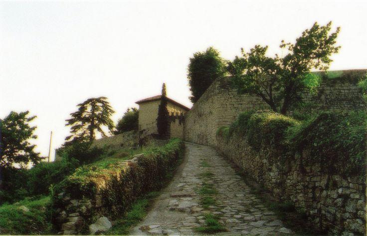 La #strada degli #angeli  A spasso nel #tempo www.castellodegliangeli.com