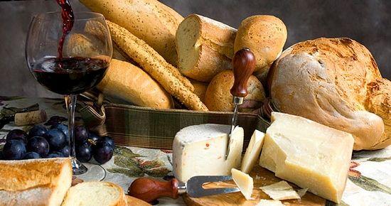 Viaggio attraverso i prodotti enogastronomici Made in Italy #jiobi #madinitaly #enogastronomia #prodottiitaliani #cucina #cucinaitaliana http://www.jiobi.com/it/viaggio-attraverso-prodotti-enogastronomici-made-italy/