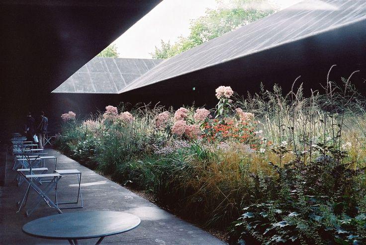 Hortus Conclusus  Serpentine Pavilion, arch. Peter Zumthor, London 2011 Via.