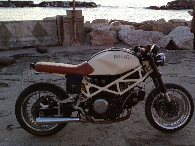 695 SPECIAL ducati monster cafe racer and I want one !!!!