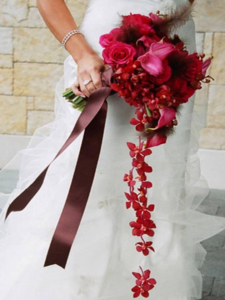 Ramo de novia de rosas rojas y lirios