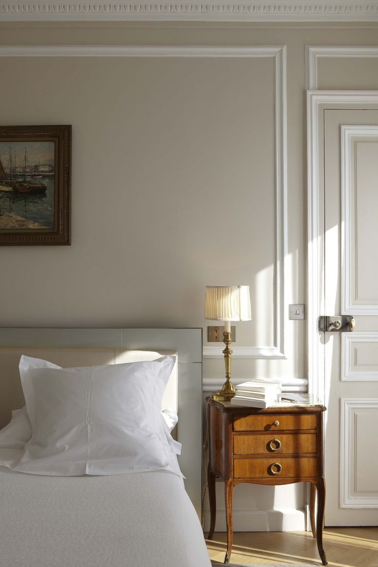 Interior paint ideas bedroom - Nine Fabulous Benjamin Moore Warm Gray Paint Colors Pale Oak Is Pretty Soft Warm Greige Love This Soft Bedroom