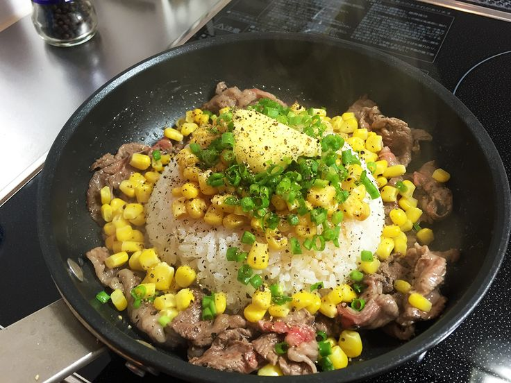 肉を食べなきゃ、肉を……と思った時、たま〜にムショ〜に食べたくなるのが『ペッパーランチ』の「ビーフペッパーライス」である。牛肉&バター&コーン&ごはん+コショー …