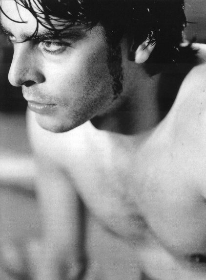 Eduardo Noriega | Essential Gay Themed Films To Watch, Burnt Money (Plata Quemada) http://gay-themed-films.com/burnt-money/