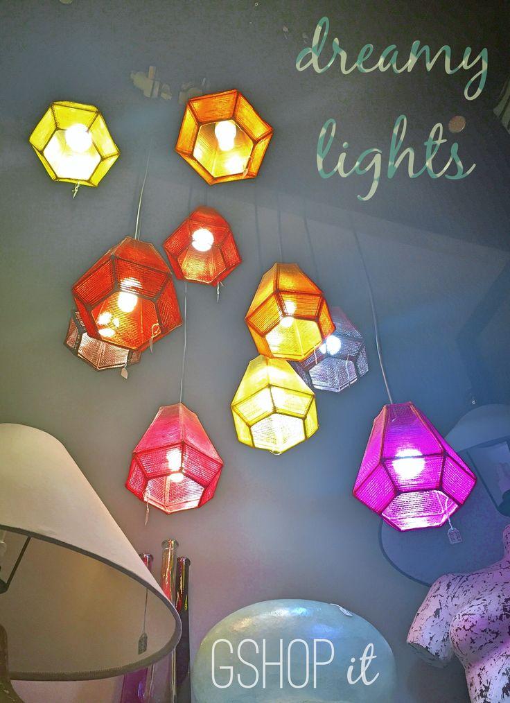 Dreamy lights με φωτισμό απο abaca ! Πανεύκολο να τοποθετηθεί!Εσείς προσθέτετε μόνο καλώδιο και ντουί. Μπορείτε να δημιουργήσετε τη δική σας συστάδα φωτιστικών, συνδυάζοντας χρωματικά τα abaca pendants όπως εσείς θέλετε. Για τα καπέλα απο abaca κλίκ εδώ: http://gshopspot.gr/products.php?category_id=9