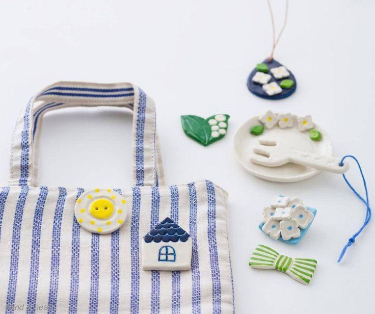 7月号の「陶器風のアクセサリー雑貨キット」は、自然乾燥でまるで陶器のような仕上がりが楽しめるクラフトです。付属の絵の具で彩色すれば、シックもキュートも好みのテイストを実現。ブローチや小皿作りなど、太陽の力を借りた夏を楽しむハンドメイドをお届けします。