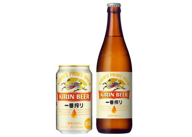 キリンビール株式会社(以下、キリンビール)が、「キリン一番搾り生ビール」の味とパッケージデザインをリニューアルします。2017年7月下旬製造品から順次切り替わっていきます。   「おいしさ」を徹底追求 2020年に発売30周年を迎える「キリン一番搾り生ビール」は、キリンビールを代表するブランド。今回は「ビールの魅力化」の一環として、「キリン一番搾り生ビール」がフルリニューアルされます。 麦のおいしいところだけを搾る「一番搾り製法」をベースに、麦汁の濾過工程における濾過温度をより低くすることで雑味や渋味を減らし、麦本来のうまみをアップさせました。また、酸味や甘い香りを抑えて、より調和のある味わいに。  開発工程では、100名の技術員による1,000回以上の試験醸造を行い、日本人の繊細な味覚を満足させるおいしさを追求しました。「キリン一番搾り生ビール」は既に日本の定番ビールとなっていますが、さらなるおいしさを求めてたゆまぬ努力を続けている姿に、ビール女子として大感謝したい思いですね!  パッケージも注目…