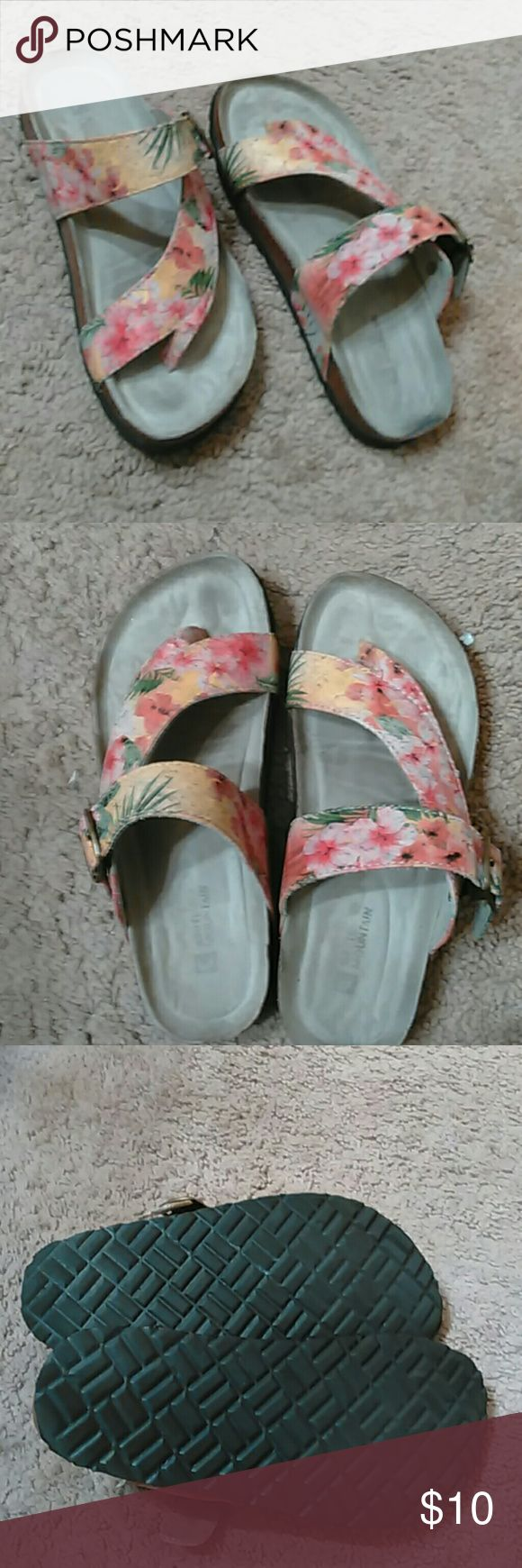 White mountain sandals Tropical flower straps. Great condition. Only worn a couple times. Small signs of wear. Extremely comfortable soles. Very durable bottoms. White Mountain Shoes Sandals