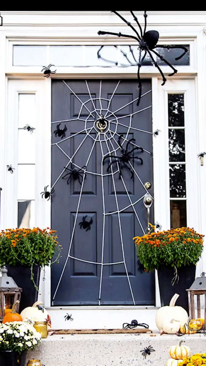 Halloween Tutorial, Easy Halloween Crafts, Halloween Home Decor, Diy Halloween Decorations, Spirit Halloween, Holidays Halloween, Spooky Halloween, Medusa, Barn