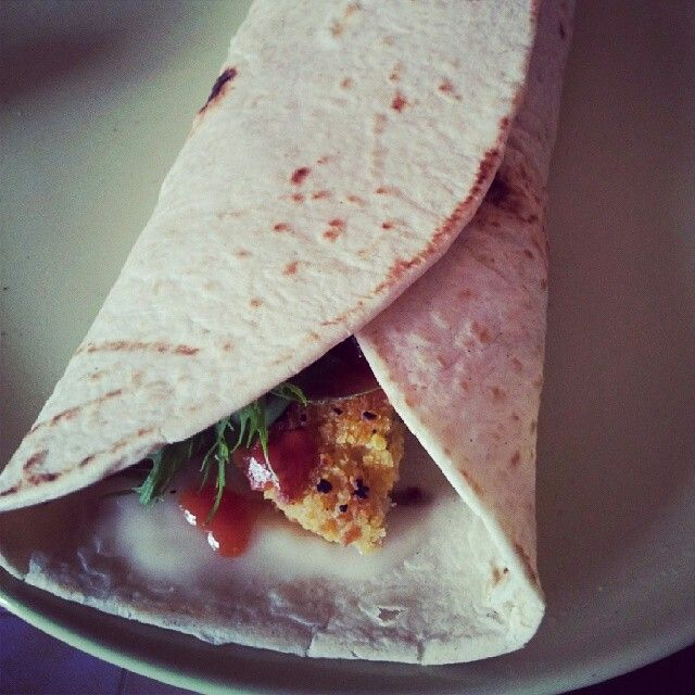Piadina with #mozzarisella, #soyburger, #salad and #ketchup by Veganlife DanyD
