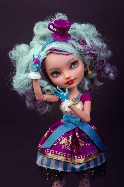 """Madeline """"Maddie"""" Hatter  Ever After High (repaint)"""