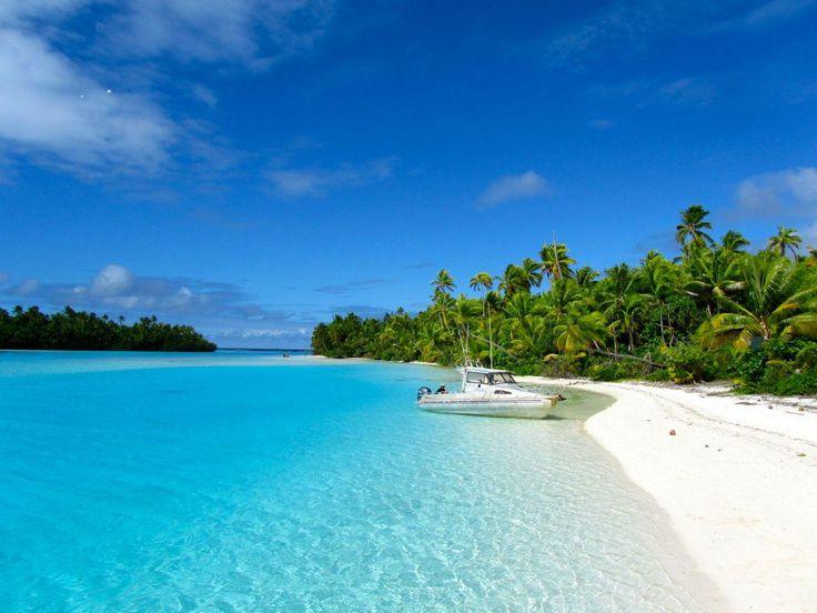 """日本にも美しいビーチは数多くあるけれど、やっぱり異国のビーチは何とも言えないリゾート感を味わうことができますよね。日本人にとって最も有名な異国のビーチと言えば、ハワイ・ワイキキビーチでしょうか。 でも、世界にはまだまだ美しいビーチが存在しています! クック諸島 アイツタキ島(ニュージーランド) 出典:http://www.teresatastes.com/rarotonga 真っ青な空、透き通る海、真っ白なビーチ。まさに秘密の楽園のようですね。 クック諸島とは、南太平洋に浮かぶ15の島々からなっています。その名は、この島々を発見したヨーロッパのクック船長から名づけられています。 日本からは、ニュージーランド・オークランド→ラロトンガ→アイツタキ と少々移動距離は長いですが、こんなツアーもありますよ! 出典:http://stworld.jp/earth_info/CK/ クック諸島では、釣りなどもできるそうで、なんとマグロを釣ることもできちゃうようです。 """"マグロが釣れたので、夕食にお刺身でいただきました!こんなにおいしいものは他にはありませんね!""""…"""