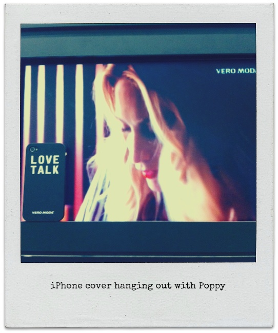 The exclusive iPhone cover from VERO MODA hanging out with Poppy. Enter the contest and the iPhone cover can be yours. To enter the contest simply re-pin the official contest pin and you are in it to win it!