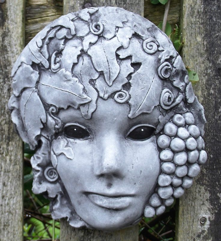 The Green Lady Wall Plaque - Hand Cast Stone Garden Ornament - 16 x 5 x 19 cms FOR SALE • £15.99 • See Photos! Money Back Guarantee. The Beautiful Green Lady stone hanging wall plaque. Made in reconstituted frost-proofed stone (concrete) with a hook on the back to hang on a wall, fence or tree. The plaque 112098844062