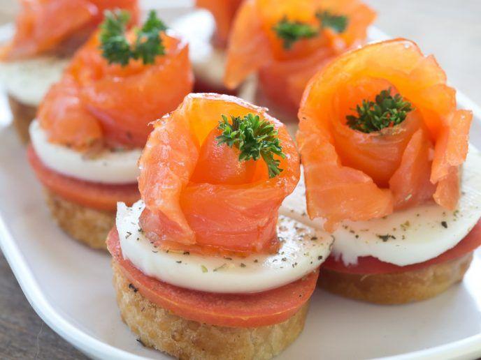 20 Migliori Antipasti Di Natale.Le 20 Migliori Ricette Con Il Salmone Il Club Delle Ricette Ricette Antipasti Di Natale Alimenti Di Natale