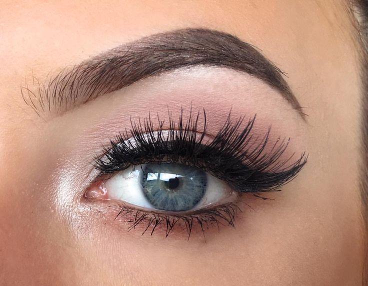 "Olivia  Manson (@elysian.artistry) on Instagram: ""So like a rose  #bblog #beautyblog #makeupblog #bblogger #makeupblogger #blog #blogger…"" eye makeup eye look"