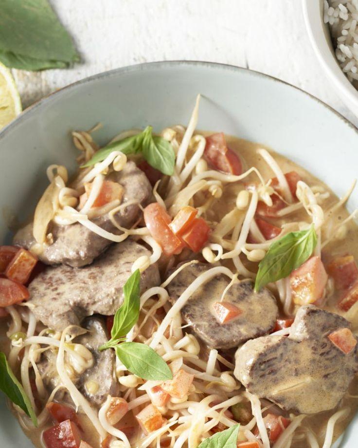 Thaise basilicum heeft een geheel andere smaak als de klassiek basilicum. Fris en met een lichte toets van anijs, perfect bij een lekker pittige Thaise curry.