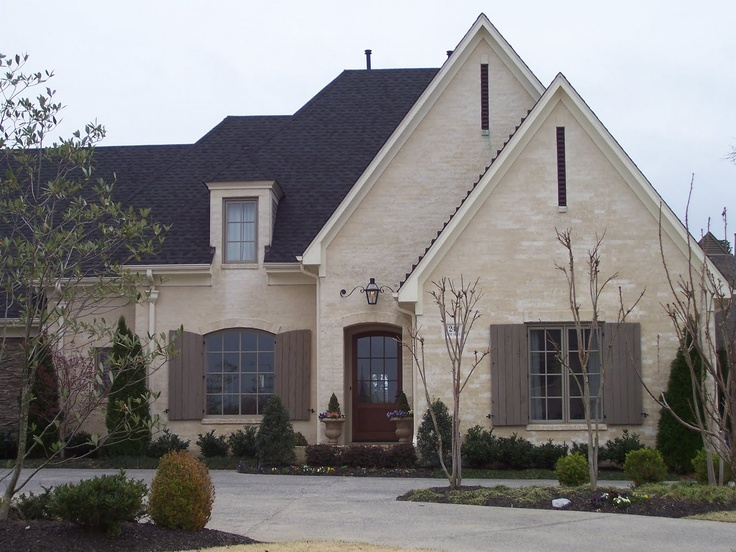 Best Off White Brick Charcoal Roof And Smokey Green Shutters Along With Trim Perfect Brick Home 400 x 300