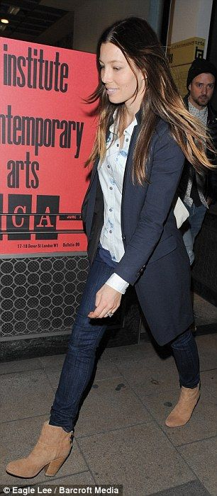 Jesica Biel, shoes, jeans, shirt and long jacket.