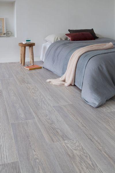 gerflor rev tement de sol en rouleau imitation parquet textiles and castles. Black Bedroom Furniture Sets. Home Design Ideas