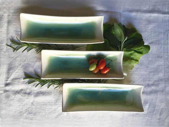 Vassoio vaschetta ceramica smaltata verde di TRACCEBOTTEGAARTIGIA