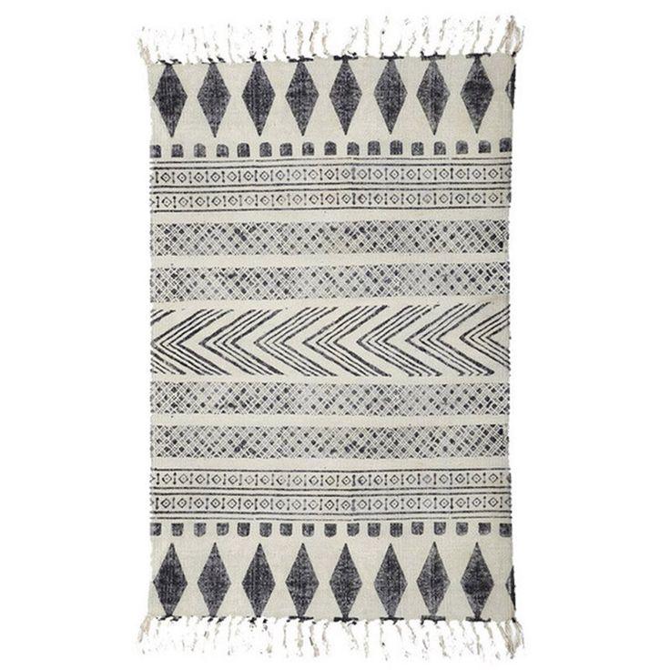 Gran catálogo de productos de decoración nórdica: espejos, textiles, alfombras, para la cocina…Ámplio surtido de mobiliario para exterior e interior.