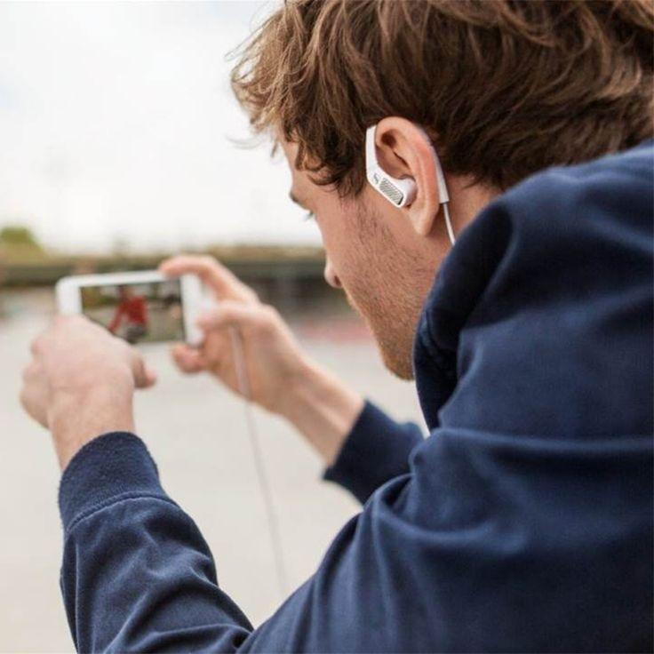 Rögzítsd világod 3D-s videohangzással a #sennheiser AMBEO SMART HEADSET segítségével! Most pontosan úgy rögzítheted és oszthatod meg a világot, ahogyan megtapasztalod. A fülrészek kiváló minőségű mikrofonokkal vannak felszerelve, hogy lenyűgöző 3D-s hangzást rögzíthess az iOS eszközöddel készített videók mellé. Bövebb infó: https://mobilzene.hu/shop/sennheiser-ambeo-smart-headset/  #mobilzene #zenebevilágki